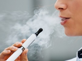Electronic cigarettes use e liquid 1